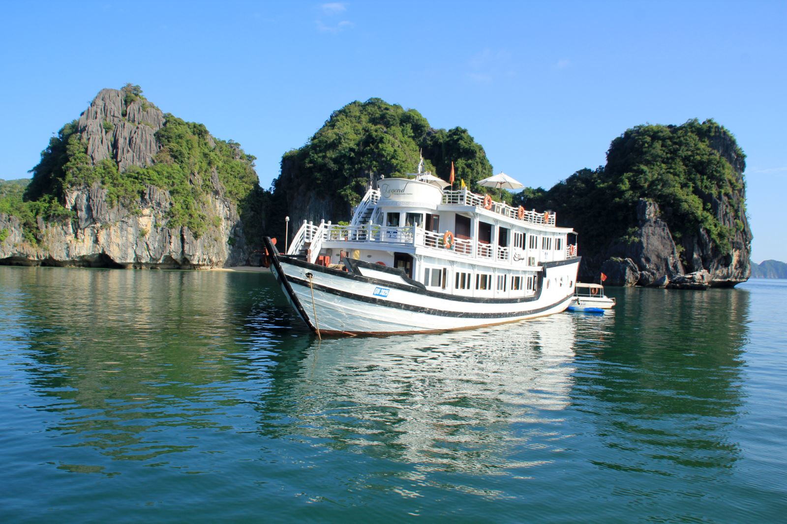 DU THUYEN HA LONG.JPG